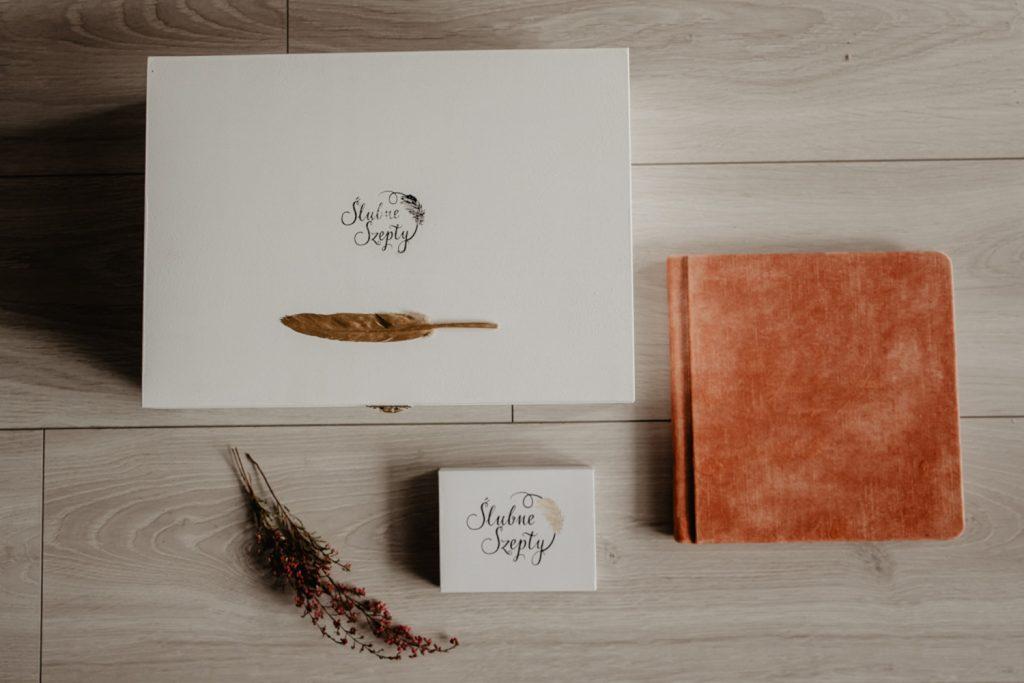 Albumy   Pokazuje Wam jak pakuje wspomnienia z Waszego Ślubu   Ślubne Szepty 1