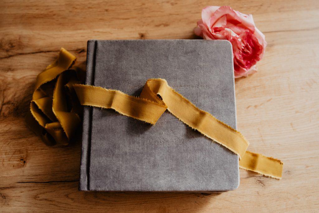 Albumy   Pokazuje Wam jak pakuje wspomnienia z Waszego Ślubu   Ślubne Szepty 13