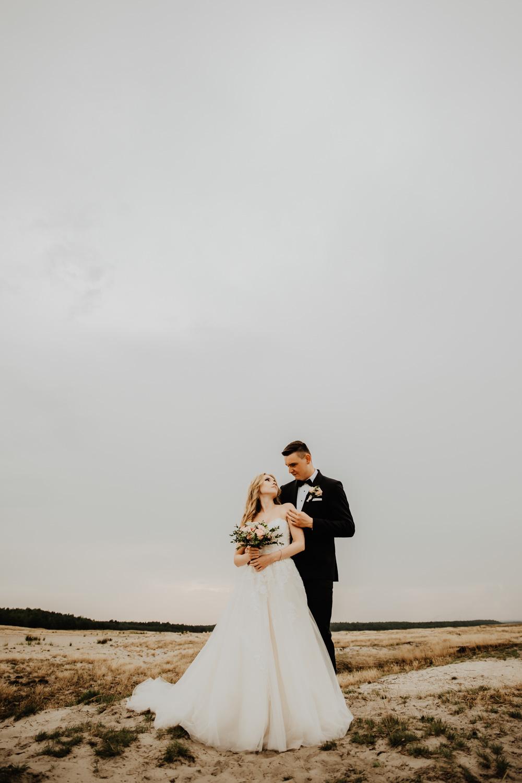 Sesja na Pustyni Błędowskiej | Plener ślubny | J & A 20