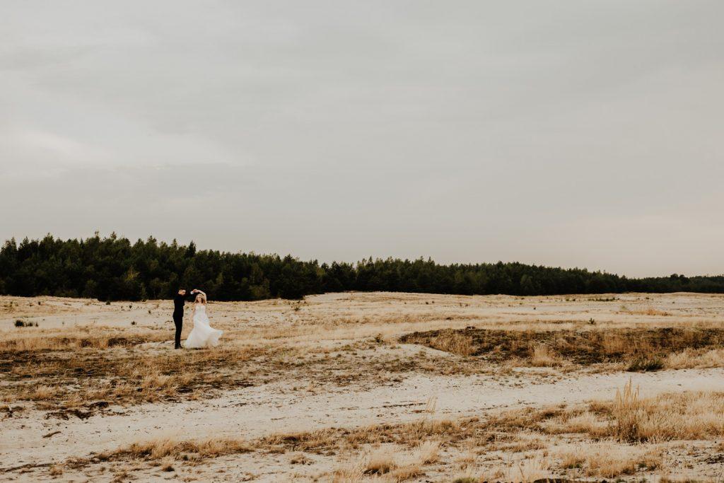 Sesja na Pustyni Błędowskiej | Plener ślubny | J & A 28