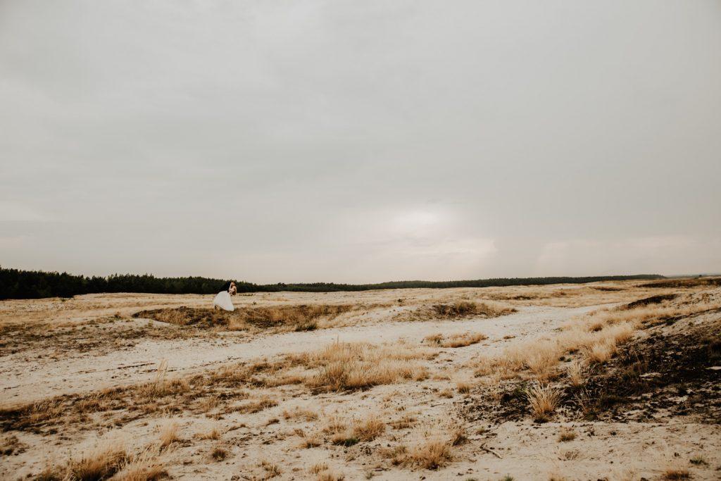 Sesja na Pustyni Błędowskiej | Plener ślubny | J & A 29