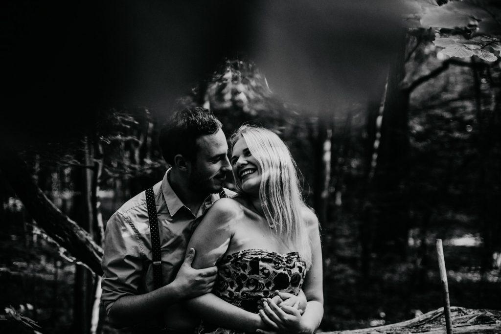 Zakochać się w lesie   Sesja narzeczeńska w lesie   Las w Warszawie 10