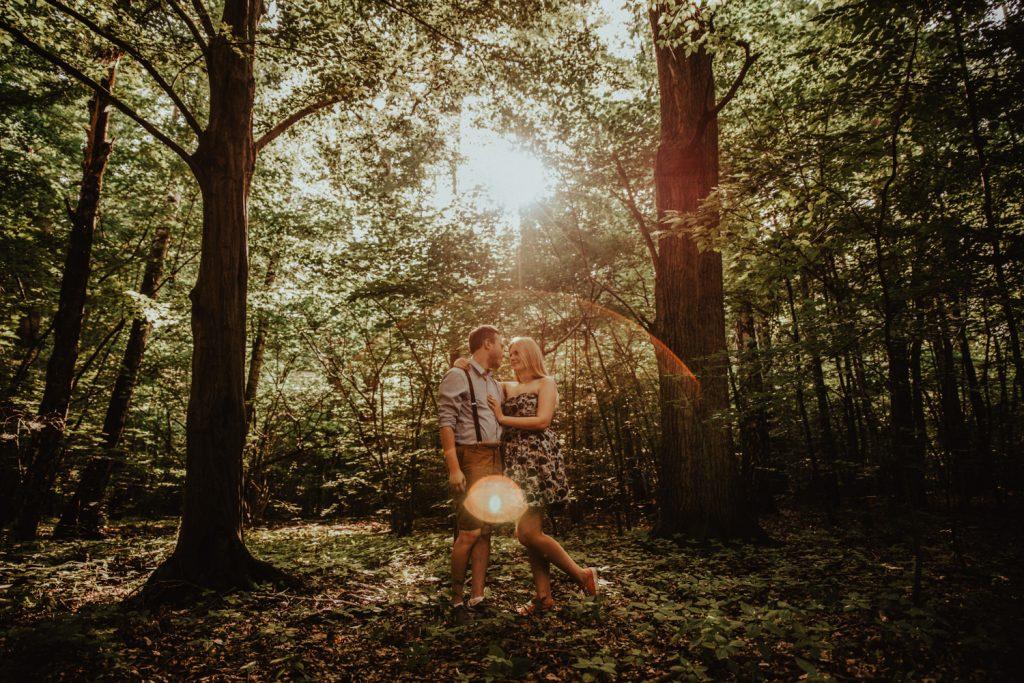 Zakochać się w lesie   Sesja narzeczeńska w lesie   Las w Warszawie 19