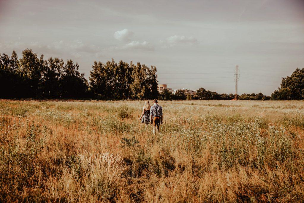 Zakochać się w lesie   Sesja narzeczeńska w lesie   Las w Warszawie 26