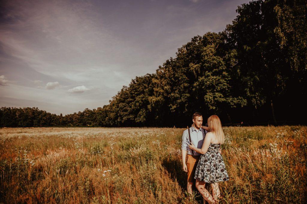 Zakochać się w lesie   Sesja narzeczeńska w lesie   Las w Warszawie 27