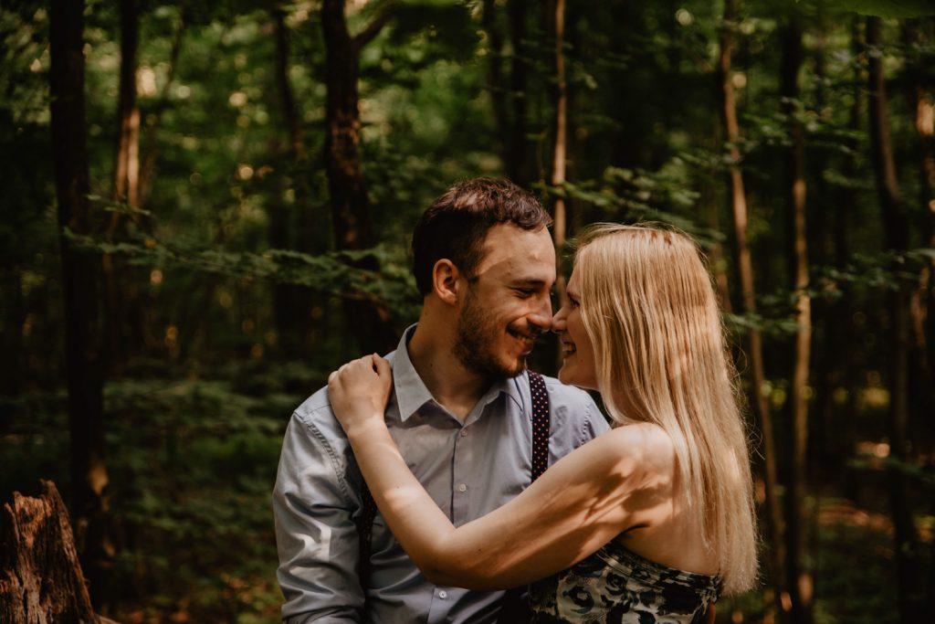 Zakochać się w lesie   Sesja narzeczeńska w lesie   Las w Warszawie 5