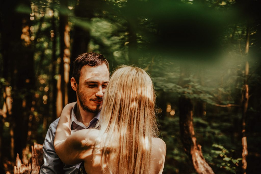 Zakochać się w lesie   Sesja narzeczeńska w lesie   Las w Warszawie 9