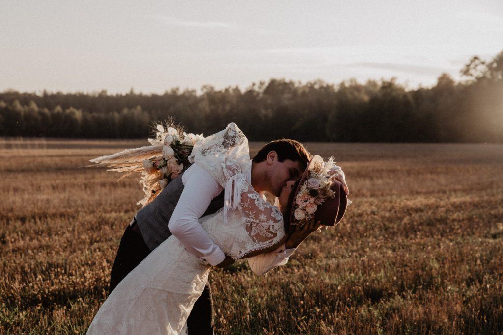 Ślub Boho | Sesja ślubna | Dom w Przepitkach 45